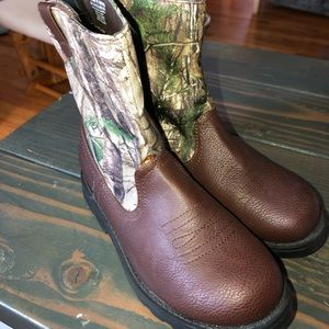 Faded glory kids boots size 1 brand new